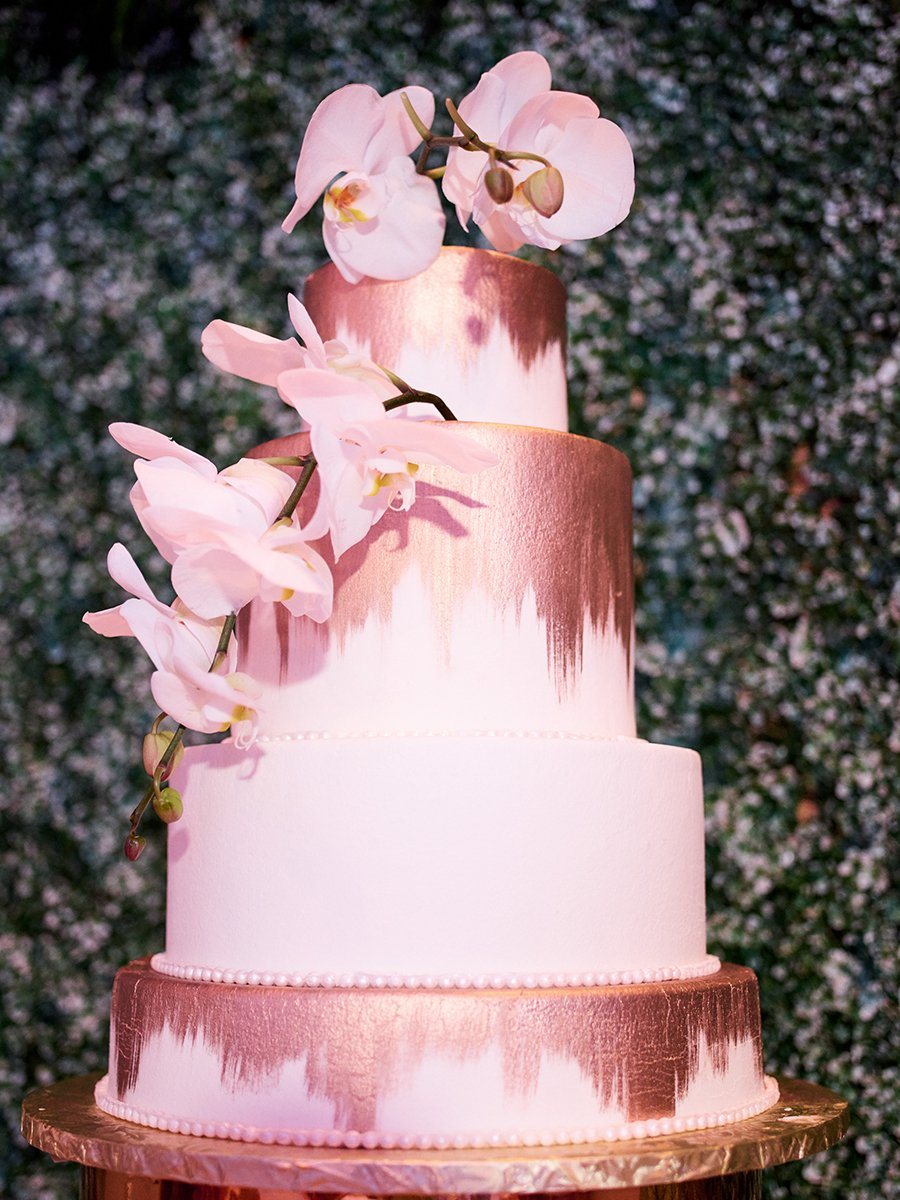 gold and white wedding cake design
