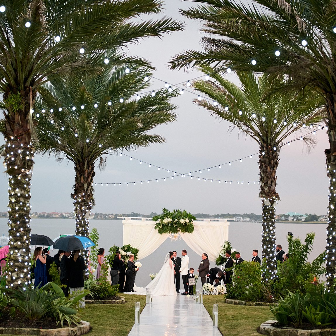 luxe, outdoor wedding venue - waterfront - lakeside