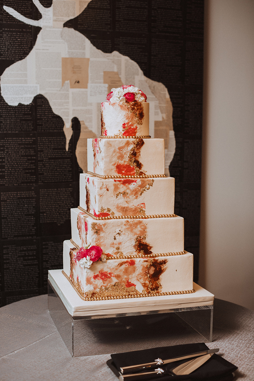 houston, city wedding, downtown, hotel wedding, JW Marriott Houston Downtown, Cakes by Gina, floral,
