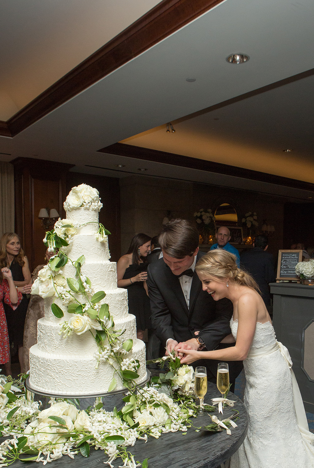 cake, susies cakes & confections, cutting, reception, houston wedding cake, houstonian