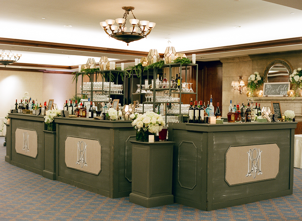 hotel wedding, beverages, bar, decor, reception, houston wedding, custom