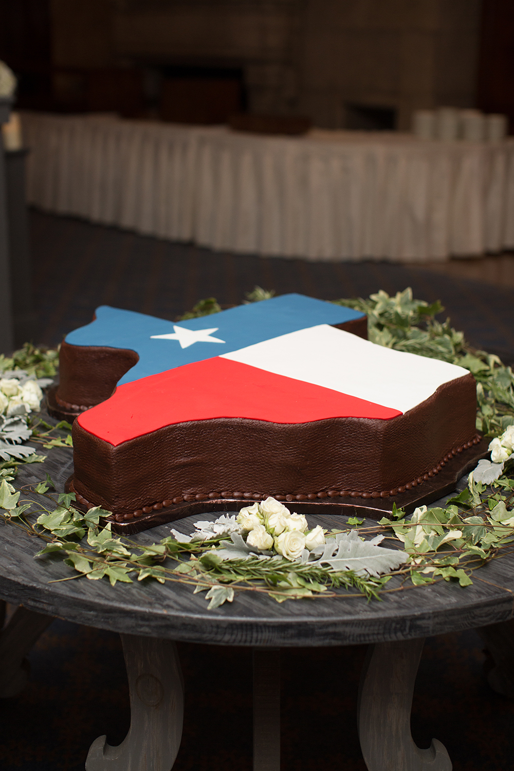 texas, wedding cake, grooms, texas shaped cake, flag, susies cakes, wedding, houston