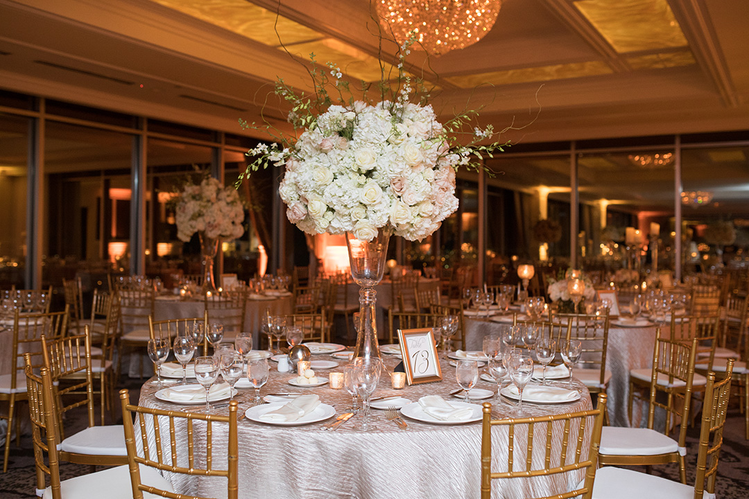 houston, city club wedding, Petroleum Club of Houston, downtown, Plants n' Petals, Edible Designs, b