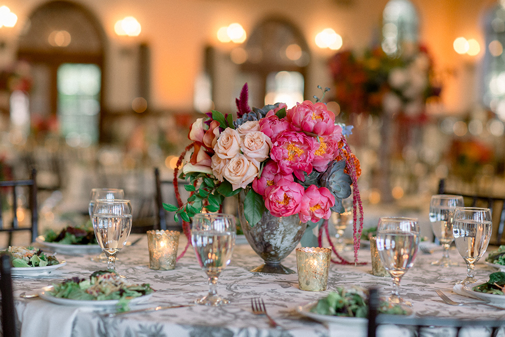 pink coral bouquet, table setting, reception flowers