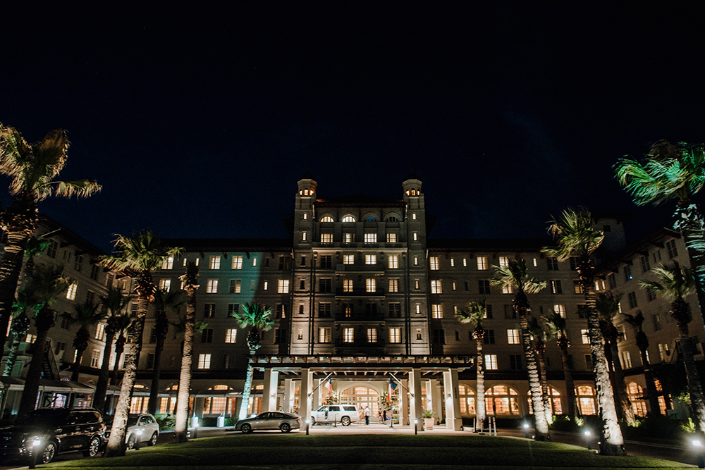 hotel galvez, night, wedding, houston, galveston, beach, wedding, lighting, lights, evening, palm