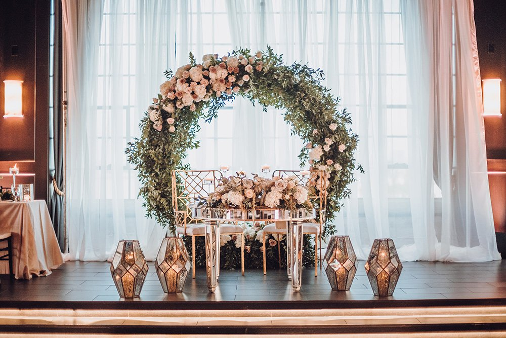 floral hoop for reception head table