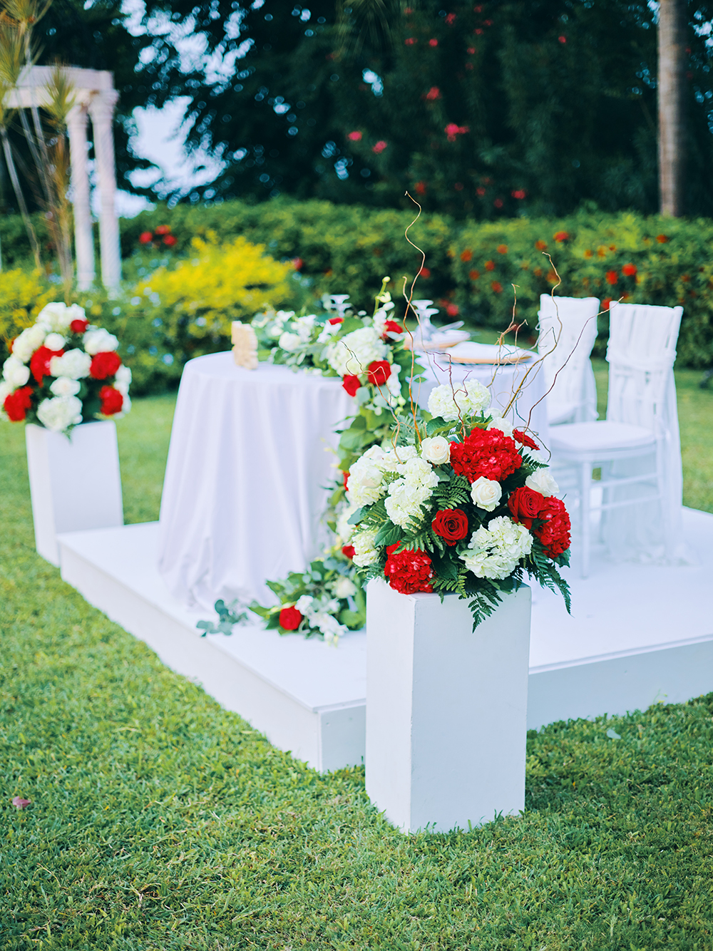 his her table - wedding reception decor - outside