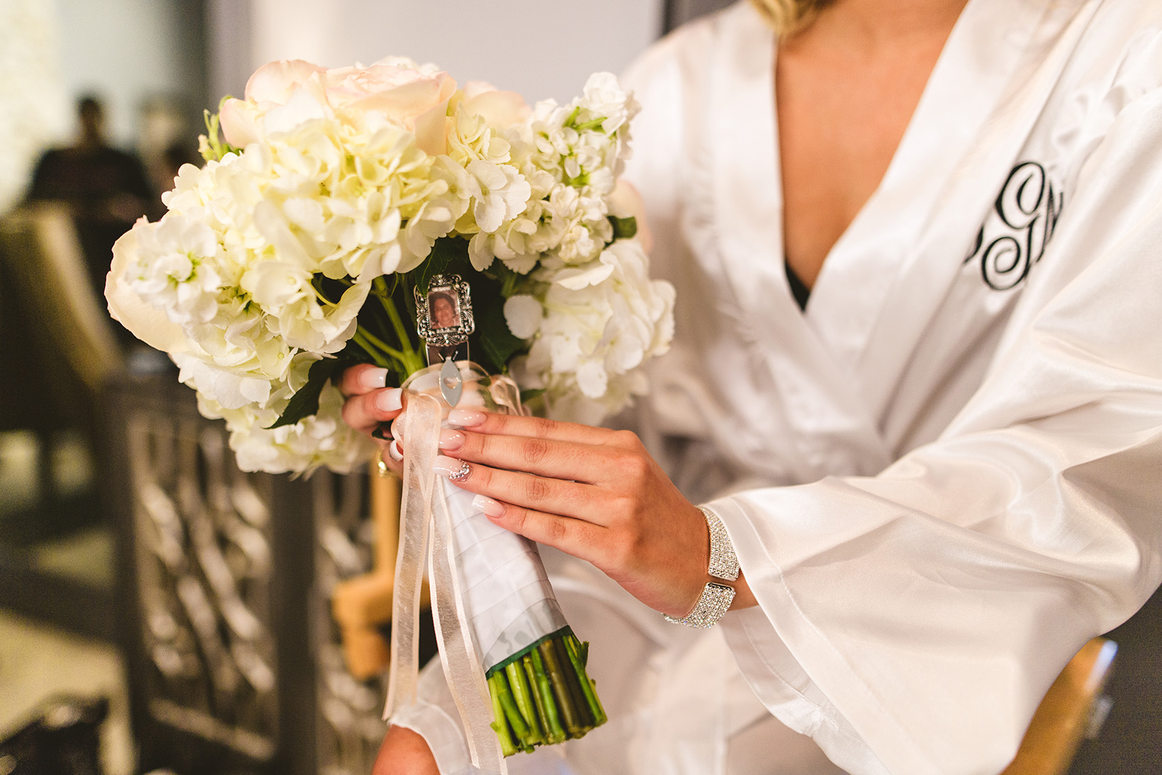 houston wedding, bridal bouquet, white flowers, bride, getting ready