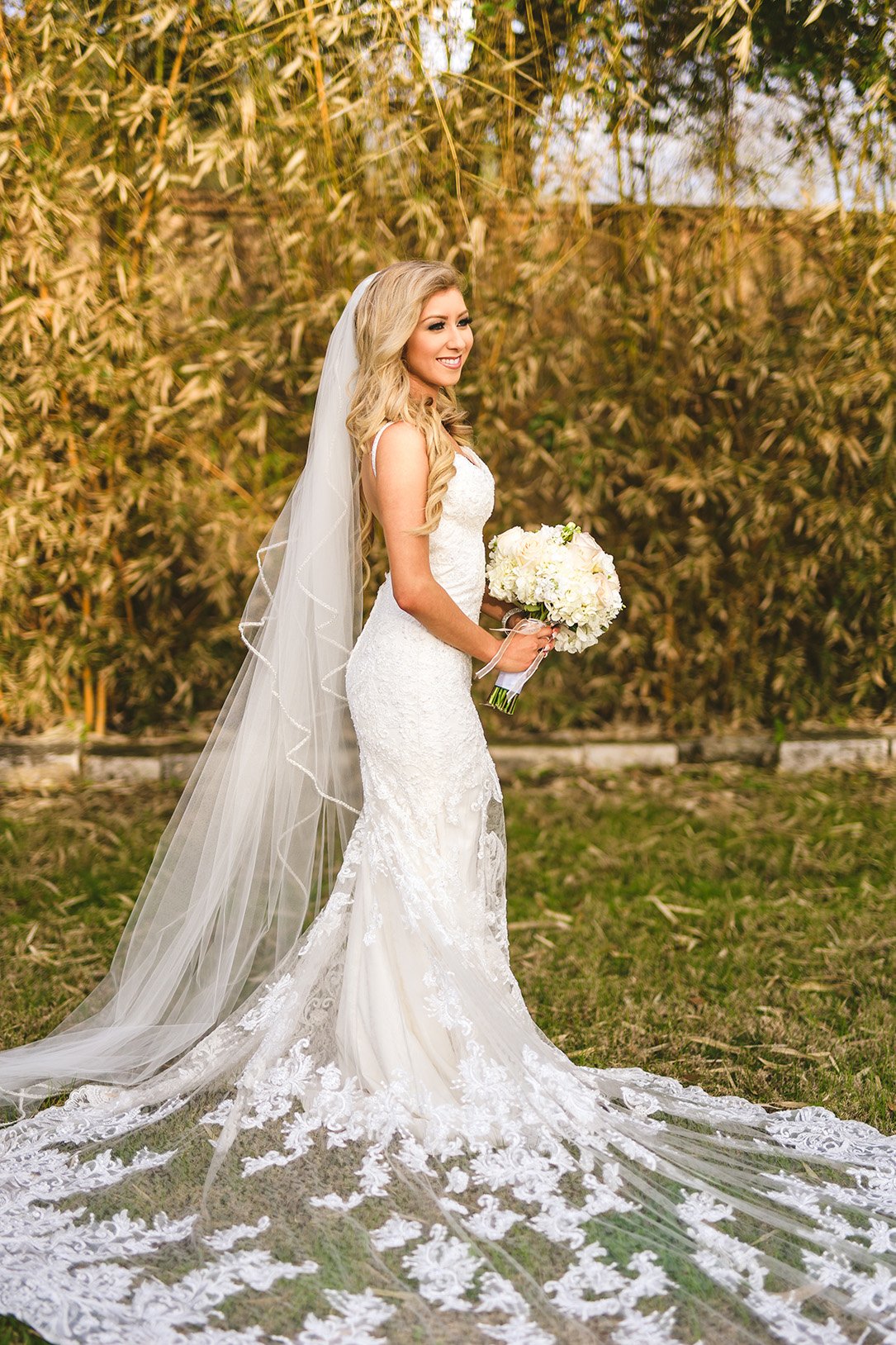 houston wedding, bridal shot, bride, wedding gown, lace train, veil
