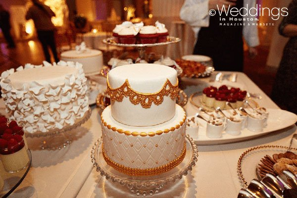 photo: civic photos cakes: jackson and company venue: the corinthian
