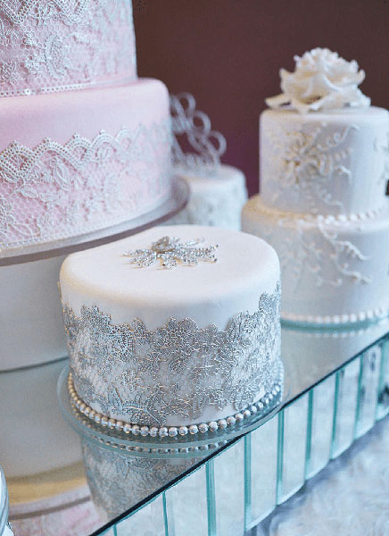 photo: civic photos cakes: susie's cakes & confections venue: the corinthian