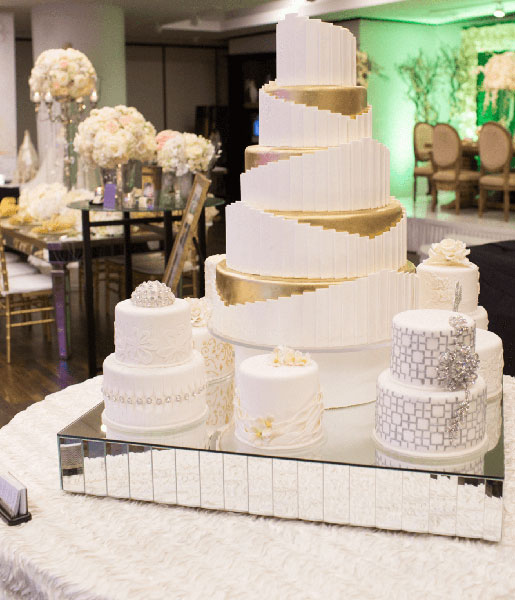 photo: m wang  cakes: susie's cakes & confections  venue: jw marriott downtown