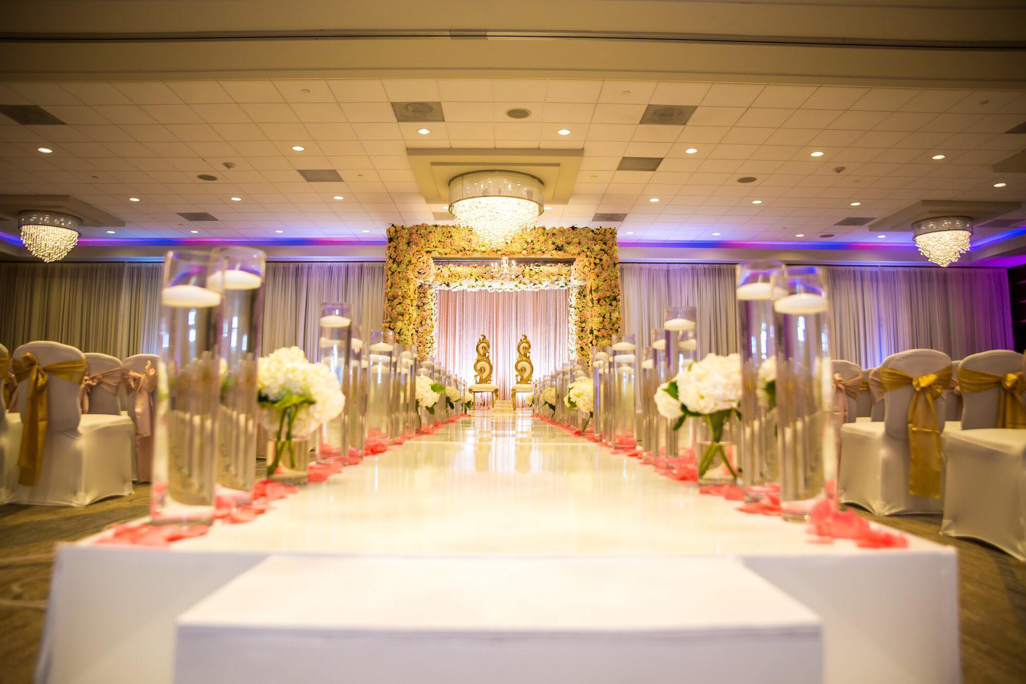 Houston Hotel Wedding Venue - Sheraton Houston Brookhollow Hotel